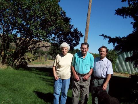 Aunt Esther & Uncle Stu in Dayton Washington